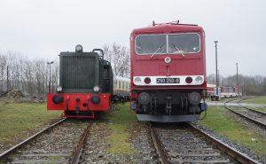 V36 (103 032-9) neben 250 250-8 © by Thomas Petschinka